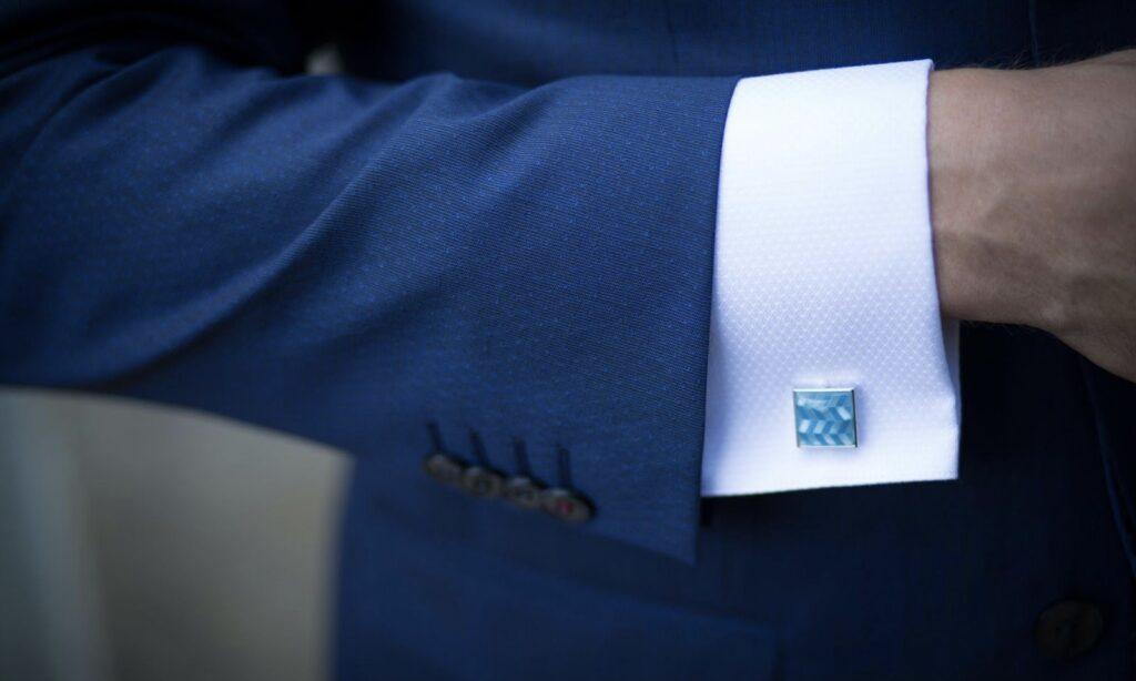 ビジネススーツ画像
